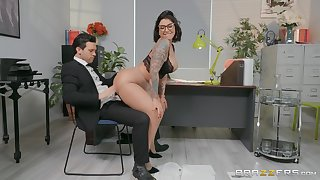 Sexy copier Devon Lee enjoys sex with her colleague nigh her office