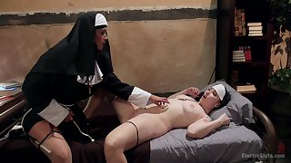 Nuns sharing the bed for the ultimate lesbian games