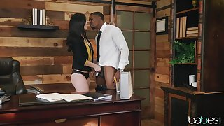 Interracial office shagging for brunette handsomeness Alina Lopez
